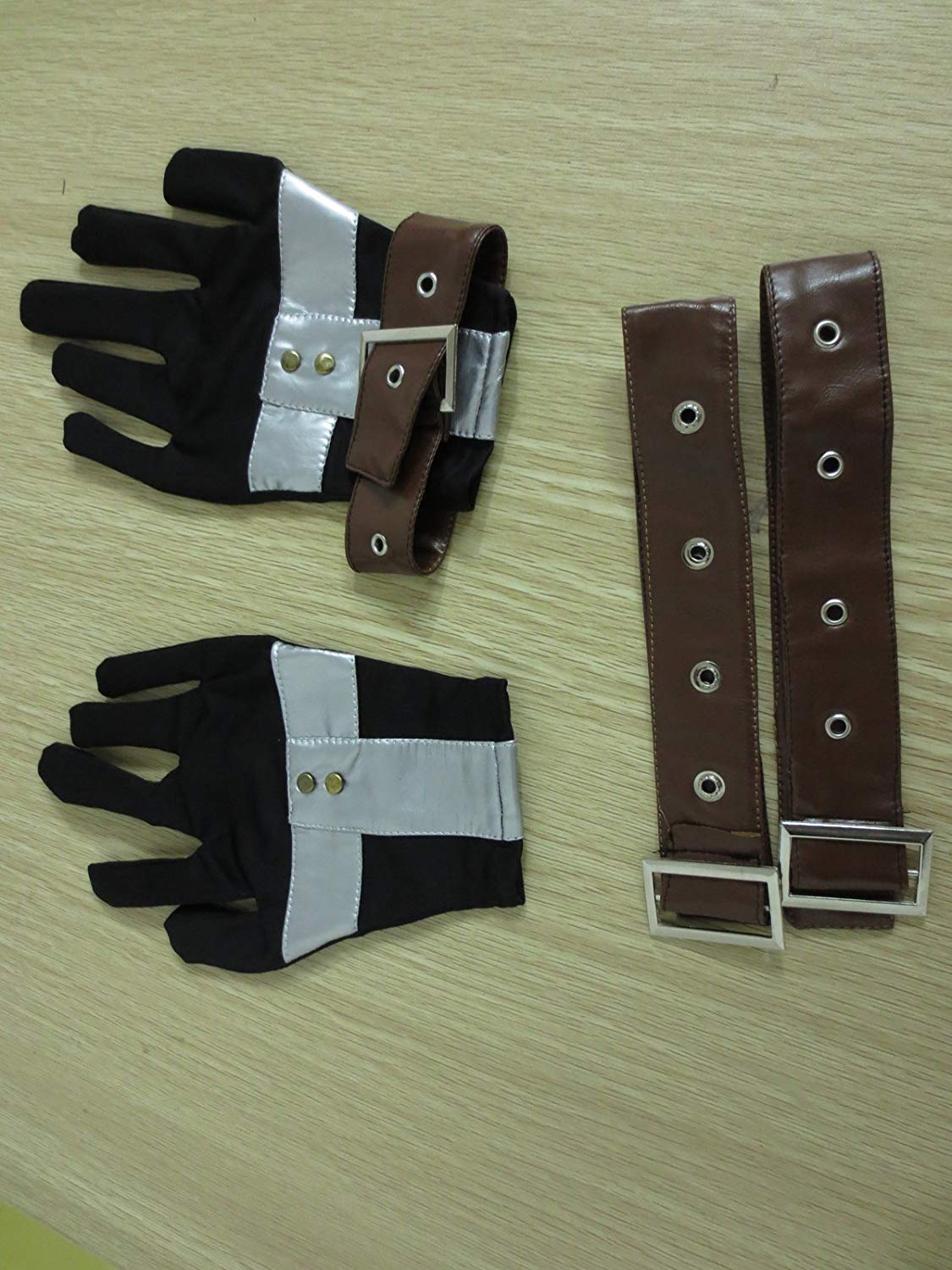 squall-leonhart-gloves