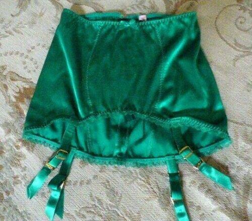 agent-skirt
