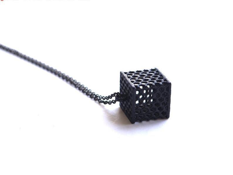 honeycomb-cube-pendant