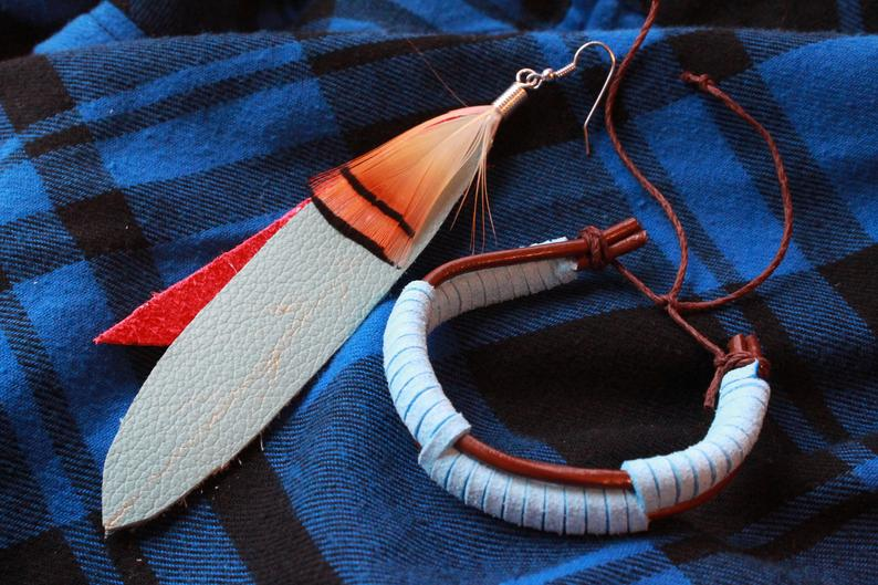 blue-feather-earring-and-bracelet
