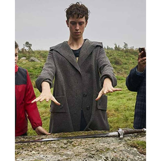 Angus Imrie The Kid Who Would Be King Grey Coat