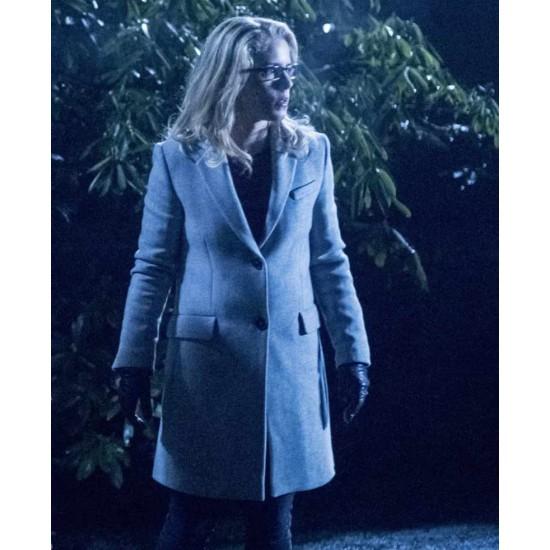 Arrow S06 Emily Bett Rickards White Coat