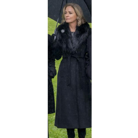 Arrow S08 Susanna Thompson Black Coat