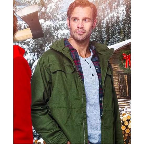 Christmas in the Rockies Stephen Huszar Hooded Jacket