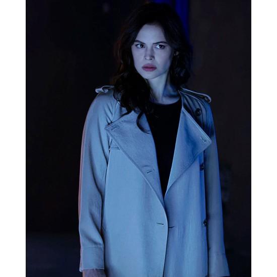 Conor Leslie Titans Season 03 White Coat